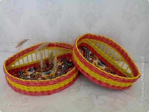 Здравствуйте, дорогие гости! Сегодня я хочу показать вам свои последние плетушки, предназначенные для служения на кухне. Это хлебницы-печенюшницы-конфетницы, наборы для специй. Итак, приятного просмотра! фото 4