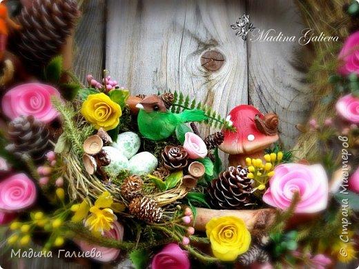 Вот такой веночек получился у меня из природных материалов , декоративной зелени  и фигурок!  А какой ароматный !!!   фото 7