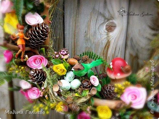 Вот такой веночек получился у меня из природных материалов , декоративной зелени  и фигурок!  А какой ароматный !!!   фото 8