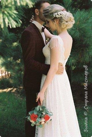 Очень давно я сюда не заглядывала, просто не было времени, и вот появился свободный час. Я сейчас очень много работаю с невестами, моя профессия свадебный стилист.  Случается так что невеста не желает быть как все, шьёт платье на заказ, заказывает украшения ручной работы. Моя невеста Екатерина, и нежный образ для неё созданный. фото 3