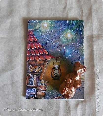 """Здравствуйте мои дорогие! Сегодня я к Вам с новой сказочной серией карточек АТС - """"В гостях у детства"""" по мотивам работ Ирины (Самурайчика). Уж очень понравился мне ее башмачок.  http://stranamasterov.ru/node/1109463?c=favusers  Получилось такое размышление на тему детства, воспоминания+ассоциации... В основе карточек лежит образ домика на дереве и различные символы детства... Первой к выбору приглашаю Элайджу... Приятного просмотра... фото 5"""