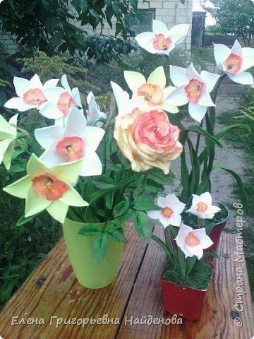 Здравствуйте,долго не решалась сделать цветы на стебле,принимайте моих первенцев.За качество фото извиняюсь. фото 4