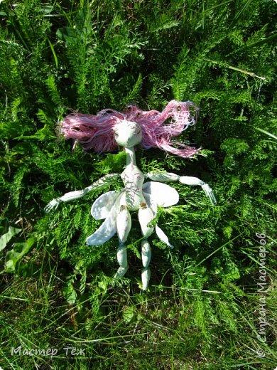 Вам нравятся цветы? А ирисы?  Лично мне нравятся полевые цветы, дикие за их свободу, за их нрав и ещё живучесть — ведь как вырастут из маленького зернышка сквозь асфальт и камни!   Но сегодня речь пойдёт от ирисах. Точнее о маленькой чудесной феи, что назвалась этим цветком.   Ирисы ведь такие — капризные, воздушные, и долго-долго спят, прежде чем показать всю свою красоту.  Вот и моя фея оказалась соней *смеюсь* Спит и спит, поэтому и назвал её фея сплюшка :3 Вдохновился видом цветов — розовый ирис, и постепенно работаю над образом фото 10