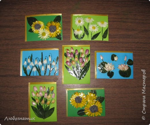 """Всем большущий  привет! Представляю вам АТС карточки """"Живые краски мира"""". Живые краски мира - это цветы. Карточки  можно отнести к Эко стилю наверное, ну и посвятить окончанию лета.   Техника аппликация. Цветы составлены из лепестков гелихризума (бессмертник); использовала листья липы, рябины и клёна, овсяную солому. Для сохранности покрыла аэрозольным лаком, листья подкрашивала акварельными красками. Середина цветов - вата, мак.  Я должна карточки мастерицам Элайджа https://stranamasterov.ru/user/399311 (за """"Ягодный микс""""),  Нельча (Неля) https://stranamasterov.ru/user/425110 (за """"Древо жизни""""),  ИРИСКА 2012 (Ирина) https://stranamasterov.ru/user/191152 (за """"Деревья""""),  Фасинасьён (Татьяна) https://stranamasterov.ru/user/197116 (за """"Дверца в сад""""),  Самурайчик (Ирина) https://stranamasterov.ru/user/47165 (за АТС мини серия) и   Torkin (Инна)  https://stranamasterov.ru/user/420446 (за """"Барджелло"""") прошу их выбирать, если им понравиться.  фото 2"""