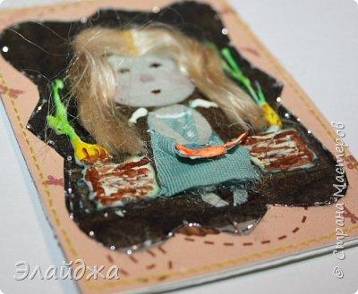 """Привет всем! Сегодня я с АТС серией, которая родилась спонтанно увидев работы мастерицы ИРИСКА 2012 , ее серию """"Счастье"""" (http://stranamasterov.ru/node/1109851). Я вспомнила, что у меня тоже есть 3 такие открыточки с картинками художницы Евгении Гапчинской , их в коробках конфет находят, есть такая серия.... Раньше их крутила-вертела и все не могла понять что с ними делать...видать всему свое время. Ириша спасибо за творческий толчек. фото 22"""