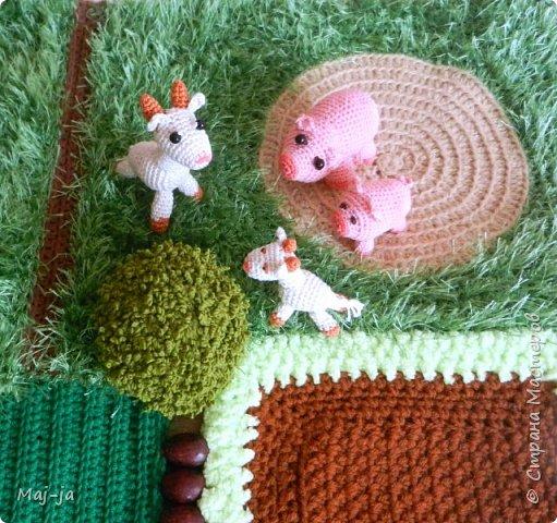 В моем доме живут не только собаки, крыса и улитка! у меня еще есть козы, свиньи, коровы и лошади!