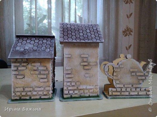 Мои первые чайные домики. Заготовка из фанеры, шпаклёвка, акрил. Не лачила. фото 2