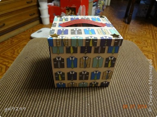 Вдохновившись мастер-классами от рукодельниц Страны Мастеров, тоже делала Magic box дяде на День Рождения. фото 1