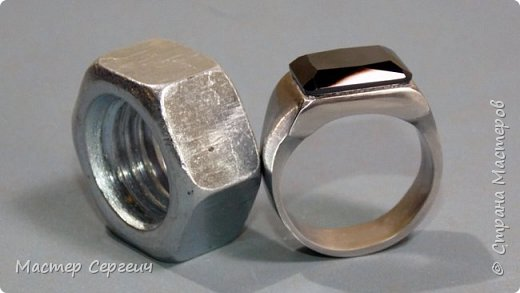 Перстень из гайки