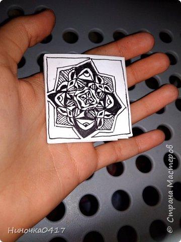 Ещё сделала мини блокнотик с простым рисунком. Легко умещается в кармане. фото 1