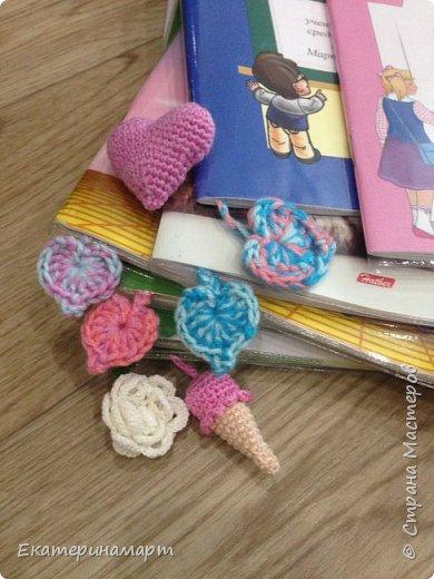 Когда дочь пошла в 1 класс =))) вот такие веселенькие у меня получились закладочки =) сильно мудрить не стала =)  фото 4