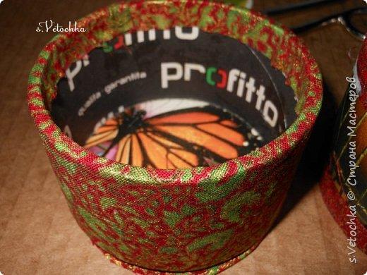 Доброго времени суток всем! :)) Вот такая коробочка-шкатулка у меня получилась. И сделала я ее  из двух бобин от малярного скотча.  фото 11