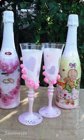 Недельку назад попросили меня сделать бокалы и шампанское к свадьбе в розовом цвете, а времени дали всего четыре дня. Вот что из этого вышло.  фото 1