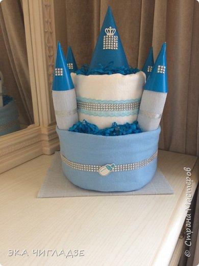Замок для принца из подгузников  содержит  -30 подгузников -2 пеленки -4 одноразовые клеенки фото 3