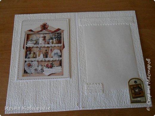 Домашние открыточки.Сделано специально для выставки( с использованием природного материала). Решила распечатать картинки на лазерном принтере на мелованной плотной бумаге, наклеила на картон, прострочила, потом- на кусочки вспененного скотча. Бумага-обои. фото 16