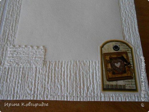 Домашние открыточки.Сделано специально для выставки( с использованием природного материала). Решила распечатать картинки на лазерном принтере на мелованной плотной бумаге, наклеила на картон, прострочила, потом- на кусочки вспененного скотча. Бумага-обои. фото 18