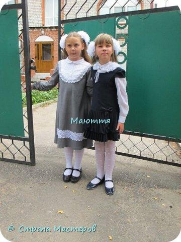 У нас в этом году новое парадное платье. Из искусственной замши, с кружевным пластроном и кружевом по подолу фото 6