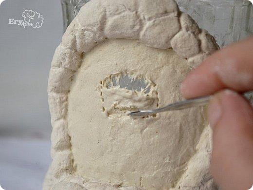 Сегодня предлагаю сделать сказочный домик-мухомор из обычных материалов. Идея не моя, вдохновление черпала от работ Творческой мамы. Решила слепить себе и поделиться с Вами.  Для начала продублирую состав паперклея в ложках и граммах:  - туалетная бумага (салфетки) — 20 г (примерно 5-7 мм от рулона); - клей ПВА — 75 г (7 ст. л.); - гипсовая сухая шпатлевка — 125 г (6 ст. л.); - мука — 50 г (4 ст. л.); - детское или оливковое масла, можно заменить на Фейри — 20 г (3 ст. л ); - крахмал — 50 г (4 ст. л).  Предыдущий мастер-класс по его изготовлению смотрите у меня в блоге  Можно и нужно набросать эскизы будущего домика и действовать по плану, но я буду делать домик по вдохновению. Так что этот проект  творческий. В итоге получатся вот такие грибочки. фото 19
