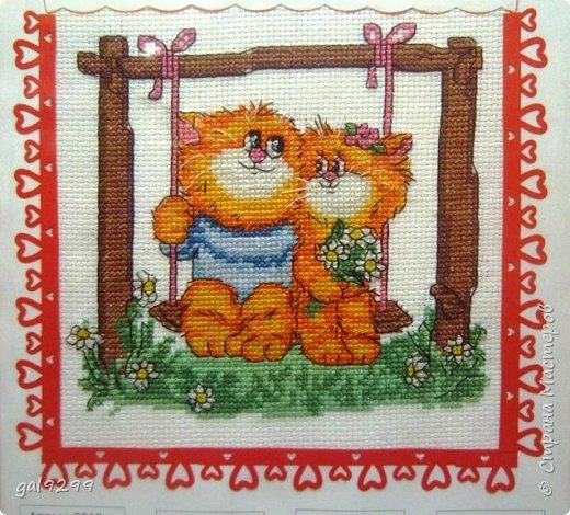 Вышиваю разных котиков. Если парочки, то обязательно одного рыжим вышиваю.  Парочка сидит на заборе и смотрит на луну. Оформлена в картон и украшена 3D - наклейками. фото 12