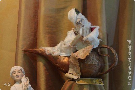 """Мы с ребятами побывали на чудесной выставке """"Восточные сказки"""" в краеведческом музее. Волшебные куклы, занимательный рассказ, атмосферный фото проект """"Стамбул"""", интересный мастер класс... Ребята вспоминали сюжеты известных восточных сказок, услышали и несколько малоизвестных историй, угадывали русскую сказку, в которой есть восточная царица, решали кроссворд, и делали поделку в восточном стиле. Рассматривали фотографии современного Стамбула и вспоминали историю и древний Константинополь: например, увидели на фотографиях музей Айя-Софья и узнали, что это бывший патриарший православный собор Святая София Константинопольская.  фото 7"""