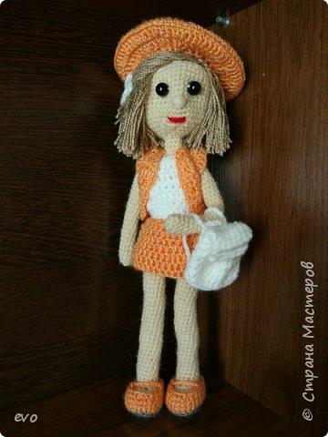 Всем привет! Связалась у меня вот такая куколка Верочка!) Кукла на проволочном каркасе. Пряжа акрил, крючок №2,5. Рост Верочки 23 см фото 1
