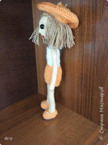Всем привет! Связалась у меня вот такая куколка Верочка!) Кукла на проволочном каркасе. Пряжа акрил, крючок №2,5. Рост Верочки 23 см фото 5