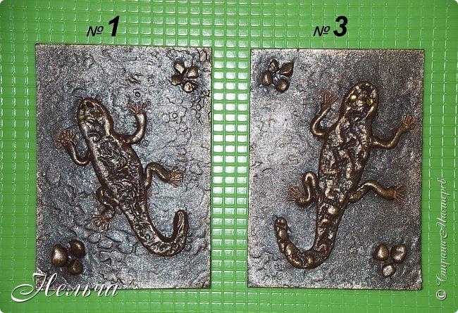 """У меня есть панно  """"Ящерица""""  http://stranamasterov.ru/node/1087306  , вот решила сделать похожие карточки. Ящерки из солёного теста, маленькие камешки - настоящие, покраска под бронзу. Тело ящериц придавила пуговицами, глазки - маленькие стразики ( почти не видно). Пальчики у ящерок из ниточки. фото 7"""