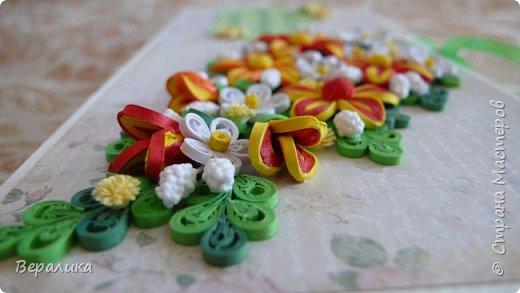 Эту шоколадницу сделала в подарок своему дамскому мастеру и просто хорошей женщине! Цветочки сделаны из полосок шириной 2мм. фото 6