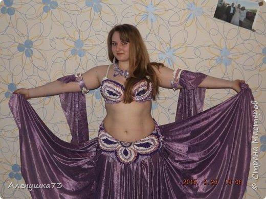 Сшила я крестнице костюм для восточных танцев на день рождения. Хочу вам показать. На весь костюм ушло больше 1300 лепестков фото 2