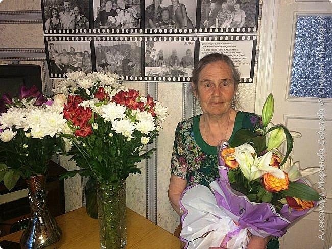 Всем, добрый день!  Моей маме 80 лет и вот какой праздник мы ей устроили... Это фотоколлаж размер А3 из фото детей, внуков и правнучек... фото 3