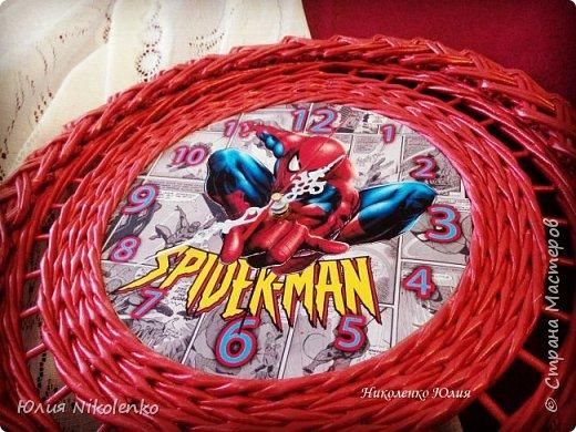 Здравствуйте! Сегодня я покажу вам часы с изображением Человека паука. Это пожелание заказчика, часы будут висеть в комнате мальчика.  фото 4