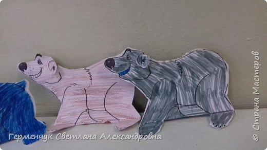 В нашей школе подходит к концу неделя  экологии.В начальной школе ребята с родителями и      учителями организовали небольшую выставку своих работ в защиту природы . Мы с ребятами  третьеклассниками решили смастерить  вот такого белого медведя УМКУ. Так как эти животные больше всего  страдают от потепления климата.Белый медведь  занесен в Красную книгу РФ, численность которого ~25 тыс. особей.Жизни этих животных  угрожает промышленное освоение Арктики и загрязнение ,и разрушение мест их обитания,и браконьерство, и ,конечно глобальное потепление.И мы с ребятами и родителями решили собирать и сдавать макулатуру , чтобы был наш вклад в  спасение   Земли  от загрязнения фото 7