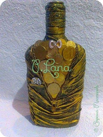 Добрый вечер друзья! Сегодня у меня вот такая бутылочка.Сделана на заказ.Идею по расположению монет взяла тут. http://stranamasterov.ru/node/1112256#comment-14919945      Большое спасибо Оли за идею. фото 2