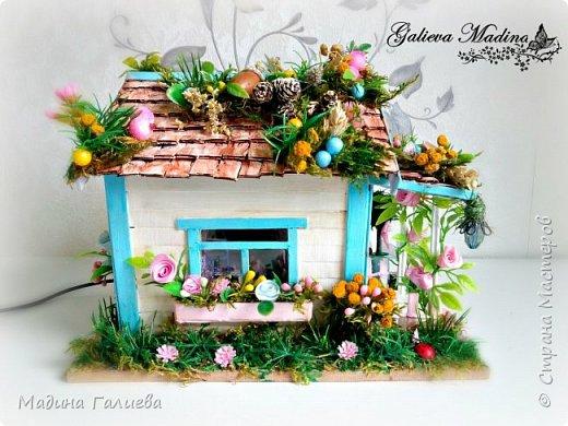 Всем привет! Спешу представить свою новую работу домик в миниатюре!!! Домик послужит не только украшением интерьера и оригинальным подарком, он также функциональный и светится как небольшой ночник. Все детальки выполнены вручную.  фото 2