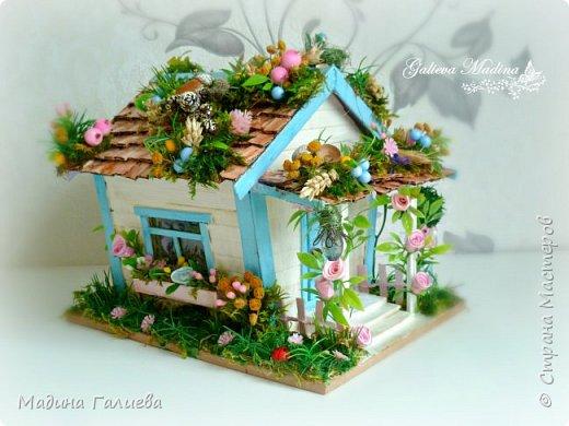 Всем привет! Спешу представить свою новую работу домик в миниатюре!!! Домик послужит не только украшением интерьера и оригинальным подарком, он также функциональный и светится как небольшой ночник. Все детальки выполнены вручную.  фото 4
