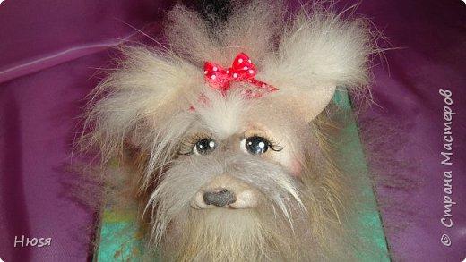 """Кукла выполнена в технике """"Скульптурный текстиль""""и """"Сухое валяние"""". Материал: капрон, синтепон, овечья шерсть, мех. Размер: 15:12 см .  фото 1"""