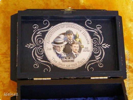 добрый вечер мастера и мастерицы.Снова представляю вам еще одну свою работу.Уж очень мне нравятся фильмы про Шерлока холмса И решила попробовать сделать такую шкатулку. Она очень практичная, и уже обрела своего владельца. фото 3