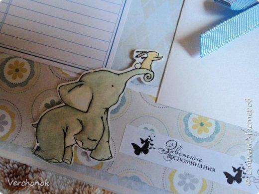 Альбом для малыша с милыми акварельными слониками) Формат 21*24 см, 7 разворотов, вмещает около 40 фото, есть места для записей. Альбом украшен замечательными стихами и картинками. фото 18