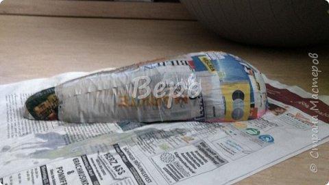 Материал: Газета, скотч, клейстер, проволка, салфетки белые, полимерная глина, ткань белая, картон, стеклянные полушарики (кабошон), лак для ногтей, масса папье-маше, глянцевый лак, нож, краски (акрил), клей фото 9