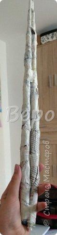 Материал: Газета, скотч, клейстер, проволка, салфетки белые, полимерная глина, ткань белая, картон, стеклянные полушарики (кабошон), лак для ногтей, масса папье-маше, глянцевый лак, нож, краски (акрил), клей фото 10