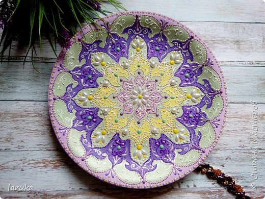 Цвета у тарелок совсем не сентябрьские, но все они расписаны в сентябре :)  фото 6