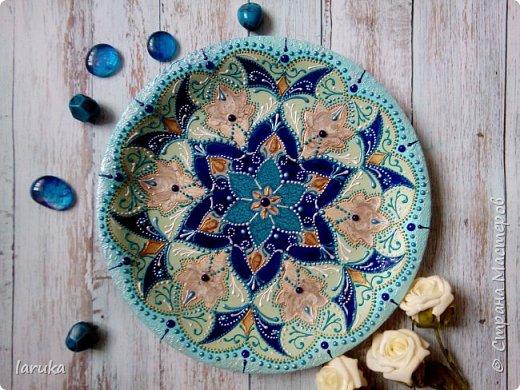 Цвета у тарелок совсем не сентябрьские, но все они расписаны в сентябре :)  фото 4