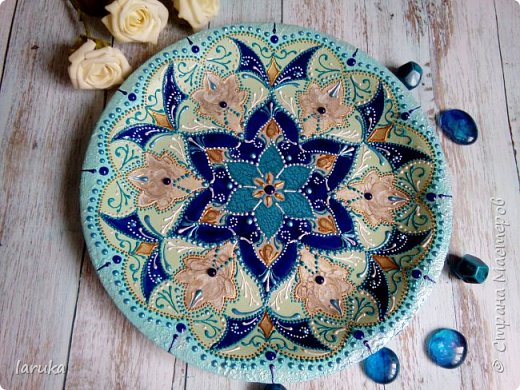 Цвета у тарелок совсем не сентябрьские, но все они расписаны в сентябре :)  фото 3