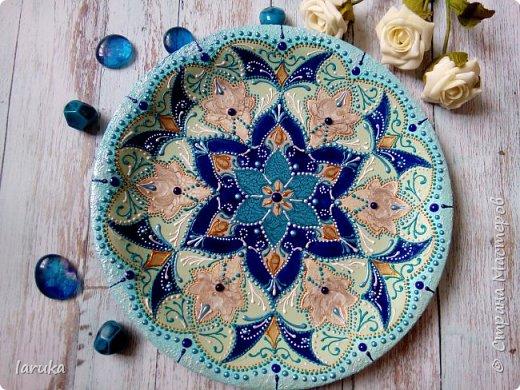 Цвета у тарелок совсем не сентябрьские, но все они расписаны в сентябре :)  фото 1