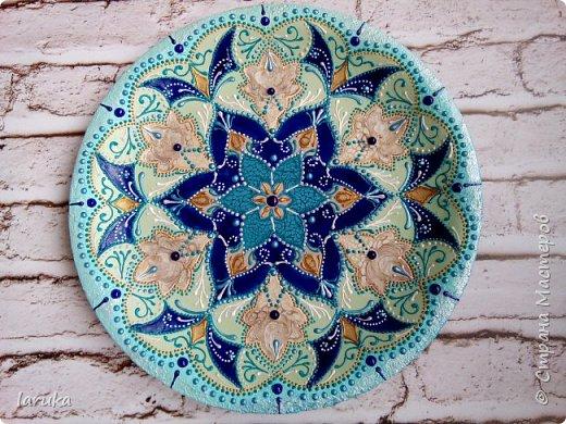 Цвета у тарелок совсем не сентябрьские, но все они расписаны в сентябре :)  фото 2