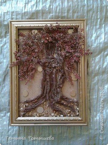 Моё новое деревце: крона из бисера,ствол- шерстяные нити, остатки )). Монеты, пшено и зерна кофе...Окрашено краской из болончика, тонировано гуашью.