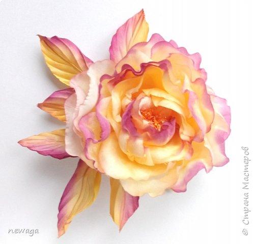 Роза из шелка ручной работы