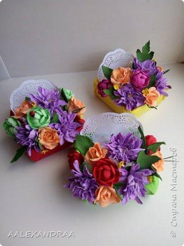 Всем привет! Вот мои цветочки в коробочках, в подарок ,для воспитателей в сад от дочи. Планируют ещё маленькие открыточки поместить. фото 1