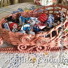 ГОТОВИМ САНИ ЛЕТОМ! Такие сани могут быть  подарочной упаковкой для поздравления родных и друзей, вазой для конфет или мандарин на праздничный стол. фото 6