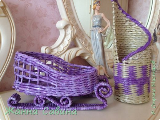 ГОТОВИМ САНИ ЛЕТОМ! Такие сани могут быть  подарочной упаковкой для поздравления родных и друзей, вазой для конфет или мандарин на праздничный стол. фото 1